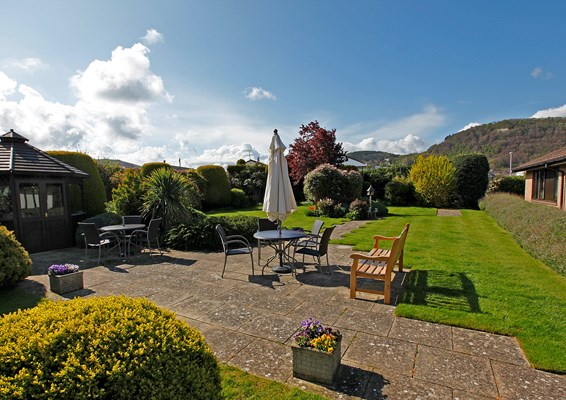 Our lovely landscaped gardens provide the ideal location for relaxing